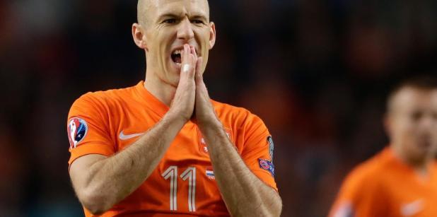 29/04 Robben groot vraagteken voor ...